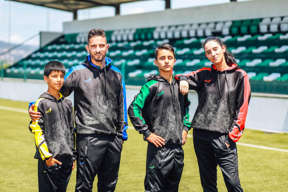 Mka-camisola-Personaliza-todo-tipo-de-equipamentos-de-desporto-futebol-futsal-atletismo-basquetebol_22